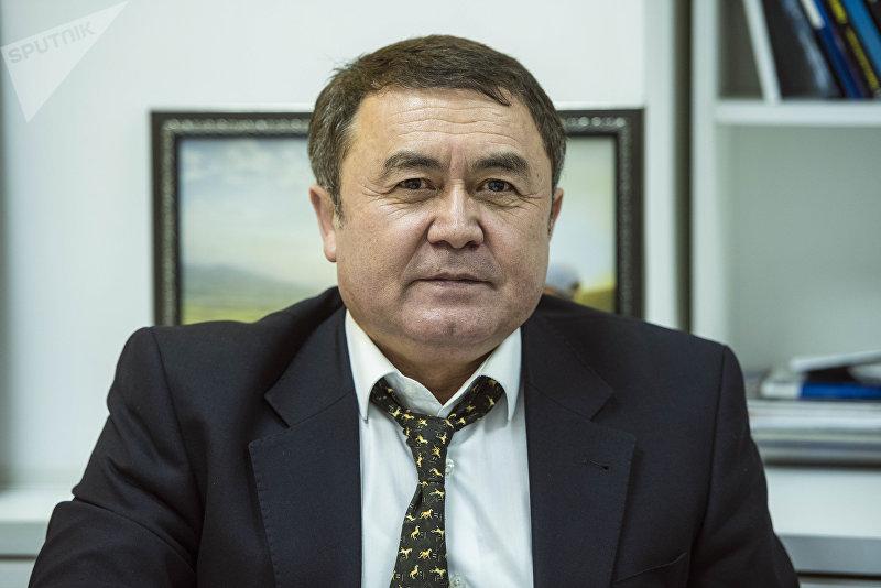 Главный кардиолог министерства здравоохранения, профессор Акбай Сарыбаев
