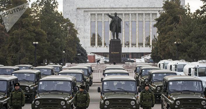 Церемония вручения российской техники в Бишкеке