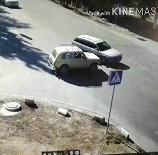 Видеонарезка ДТП в Балыкчи, снятых в рамках Безопасного города за 3 месяца