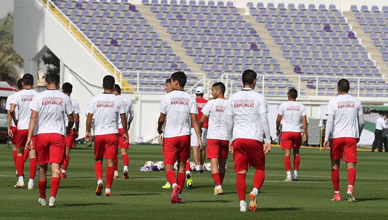 Сборная Кыргызстана по футболу принимает участие в тренировочном сборе перед азиатским кубком АФК-2019 в Аль-Айне. 6 января 2019 года