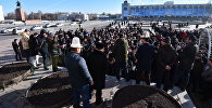 Митинг на площади Ала-Тоо в Бишкеке