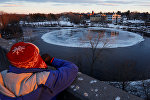 Огромный ледяной круг на реке Пресумпскот
