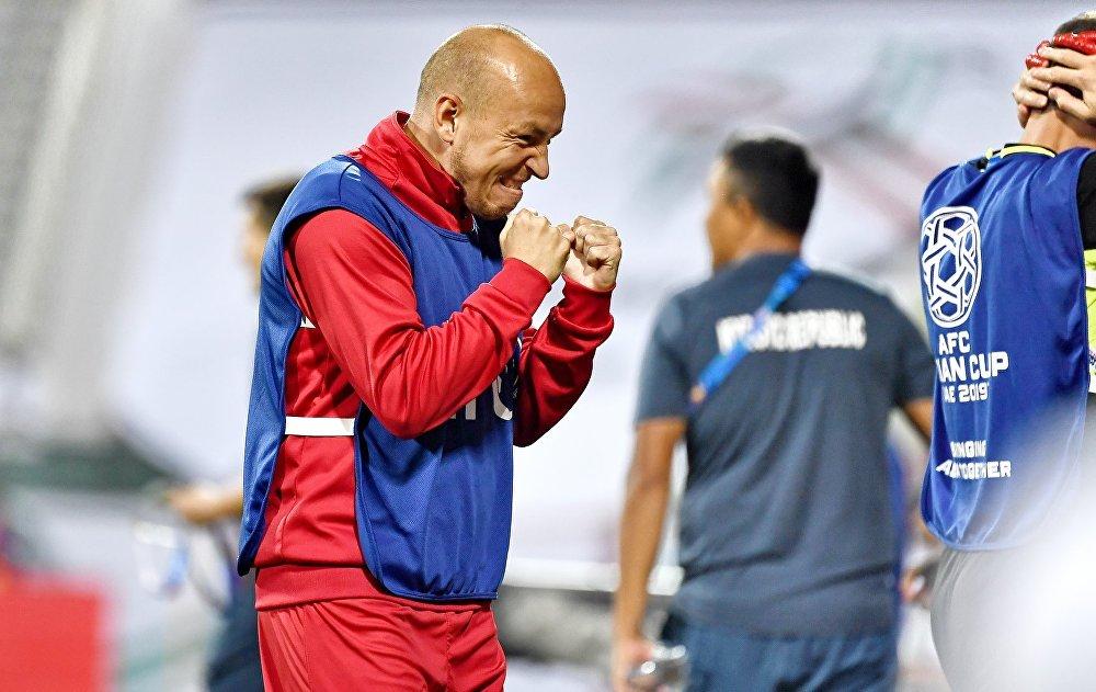 Игрок бишкекского Дордоя Павел Сидоренко попал в сборную последним. Он заменил травмированного Виктора Майера.