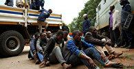 Зимбабведе нааразылык митинги учурунда кармалган адамдар