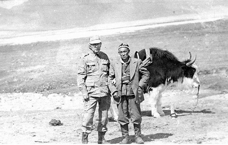 Ветеран афганской войны Качкын Саргазаков и глава афганских кыргызов Абдурашид-хан в Малом Памире