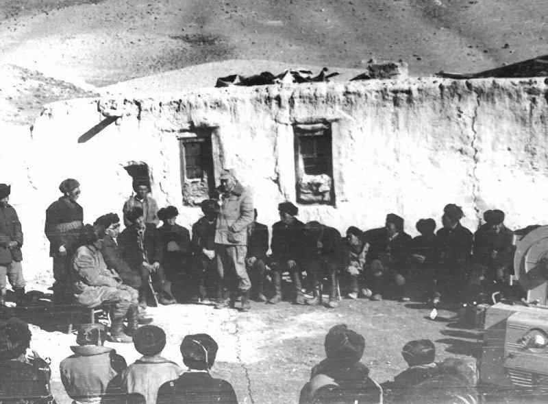 Качкын Саргазаков на собрании афганских кыргызов в Малом Памире