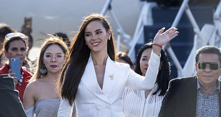 Мисс Вселенная Катриона Грэй из Филиппин прибывает в международный аэропорт Манилы.Архивное фото