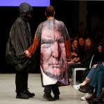 Плащ с изображением Дональда Трампа стал одним из самых запоминающихся среди творений студентов-дизайнеров