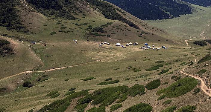 Шатылы алгачкы боз үй лагери