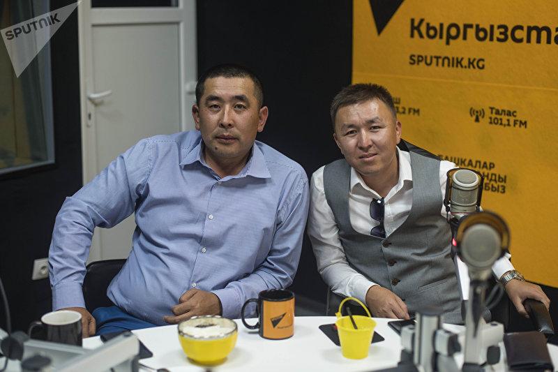 Предприниматели Улан Чойтонбаев и Урмат Карыбаев, открывший лагерь для детей мигрантов