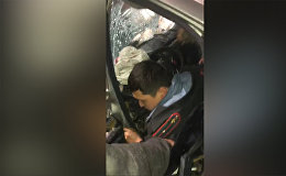 Он пьян! — страшная авария в Бишкеке с участием милиционера. Видео