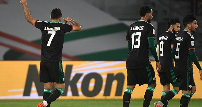Во втором тайме лучший бомбардир сборной ОАЭ Али Мабхут забил свой третий мяч на турнире и сделал счет 2:1 в пользу арабской команды