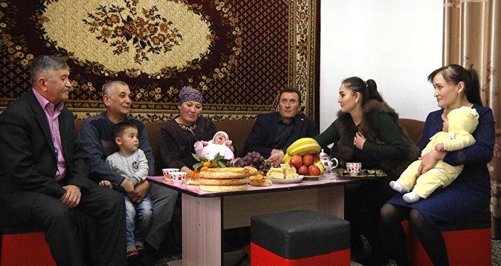 Келсе коон союп майрамдайбыз! Арабдарга гол киргизген Турсуналинин жакындары. Видео