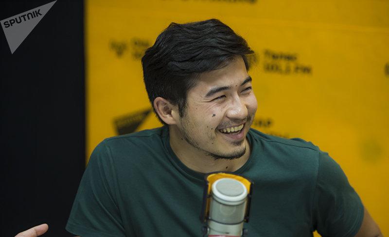 Предприниматель Ислам Сманов во время интервью на радиостудии Sputnik Кыргызстан