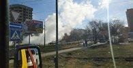 В Бишкеке на пересечении улиц 7 Апреля и Медерова из трубы валил пар, сообщил корреспонденту Sputnik Кыргызстан читатель и прислал фото на WhatsApp-канал редакции
