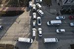 Автомобильный затор на пересечении улиц Киевская и проспект Эркиндик