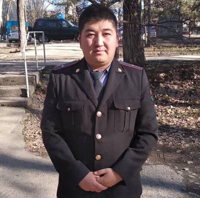 Участковый инспектор милиции ГОМ-3 УВД Октябрьского района Бишкека Ислам Абдурахманов