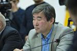 Экс-глава Агентства гражданской авиации Эрмек Омуралиев на круглом столе в мультимедийном пресс-центре Sputnik Кыргызстан