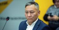 Представитель авиакомпании Эйр Манас Данияр Арынов в пресс-центре Sputnik Кыргызстан