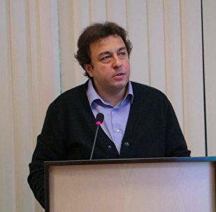 Директор Центра миграционных исследований, ведущий научный сотрудник ИНП РАН Дмитрий Полетаев. Архивное фото