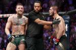 Российский боец Хабиб Нурмагомедов и ирландец Конор Макгрегор во время боя в рамках турнира UFC 229 в Лас-Вегасе. 07 октября 2018 года