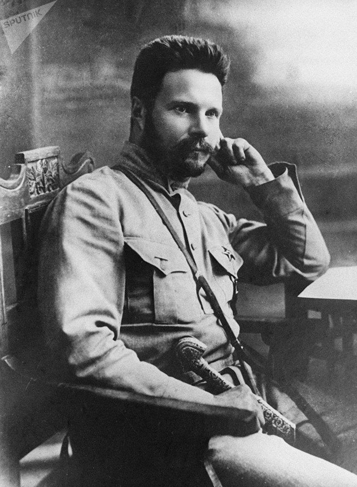 Михаил Васильевич (1885-1925), партийный, государственный и военный деятель, военный теоретик. 1919 год.
