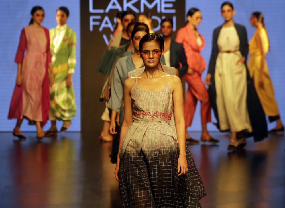 Индийские дизайнеры все больше обращаются к европейским стандартам.