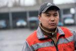 Сотрудник МП Тазалык Женишбек Касымов. Архивное фото