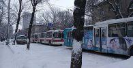 Троллейбусы остановились в центре Бишкека из-за аварии в троллейбусной подстанции Бишкека