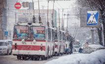 Троллейбусы на одной из улиц Бишкека. Архивное фото