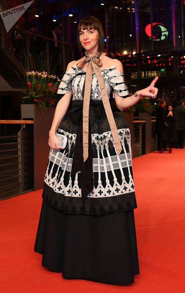 Немецкая актриса Ким Ридле на красной дорожке церемонии открытия 69-го Берлинского международного кинофестиваля Берлинале - 2019.