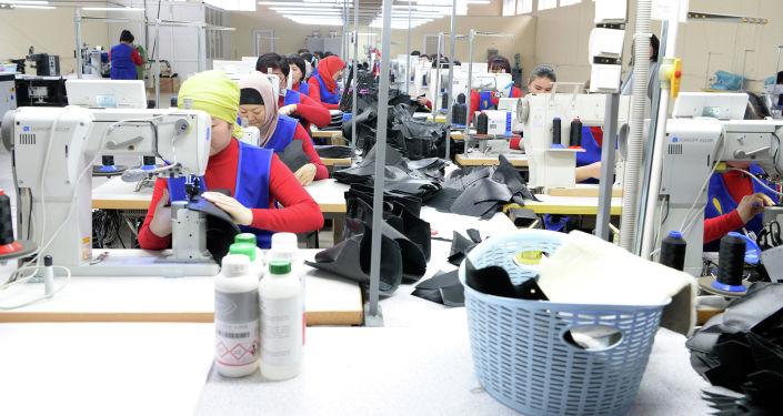 Швейный цех в Кыргызстане. Архивное фото