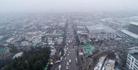 Вид на проспект Чуй в районе Ошского рынка в Бишкеке. Архивное фото