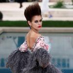 Кайя Гербер представляет коллекцию Лагерфельда для Chanel в Париже, 2019 год