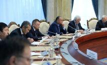 Бывшие премьер-министры Кыргызстана на встрече с президентом КР