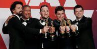 Жөргөмүш адам: Аалам аралап (Человек-Паук: через вселенные) толук метраждуу анимациялык фильми АКШ киноакадемиясынын Оскар сыйлыгын алды