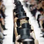 Дизайнер Мария Нрация Кьюри Парижде өткөн Christian Dior мода жумалыгында коллекциясын көрсөттү