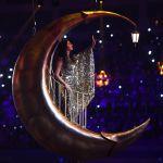 Красноярскиде XXIX Дүйнөлүк кышкы универсиаданын ачылыш салтанатында ырдап чыккан Зара
