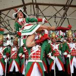 Германиянын Кельн шаарында көчө карнавалынын катышуучулары