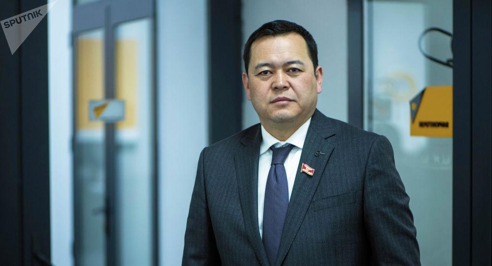 Өнүгүү — Прогресс фракциясынын депутаты, Жогорку Кеңештин төрагасынын орун басары Мирлан Бакиров