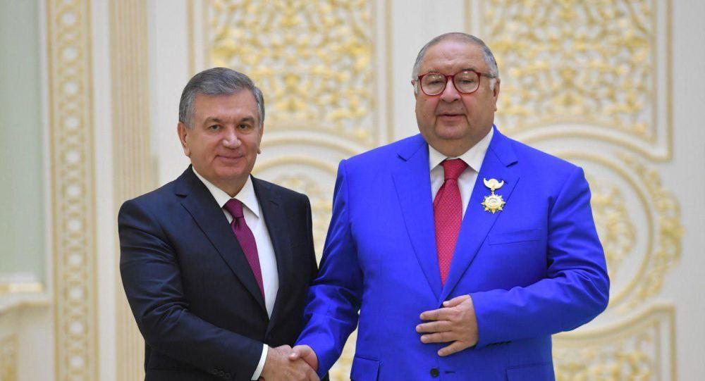 Президент Узбекистана Шавкат Мирзиёев во время встречи с Алишером Усмановым