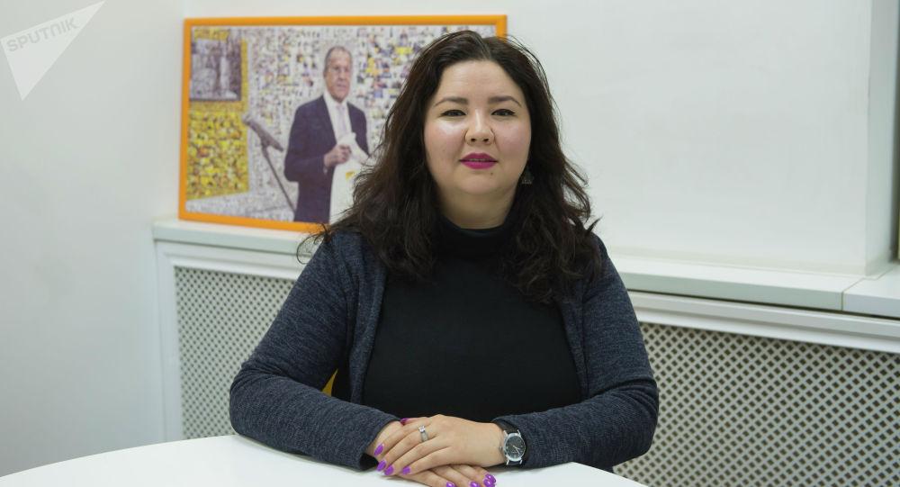 Режиссер-документалист, Кыргызстандын аял режиссерлорунун III кинофорумунун директору Асел Жураева