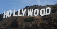 Знаменитый памятный знак на Голливудских холмах в Лос-Анджелесе, Калифорния. Архивное фото