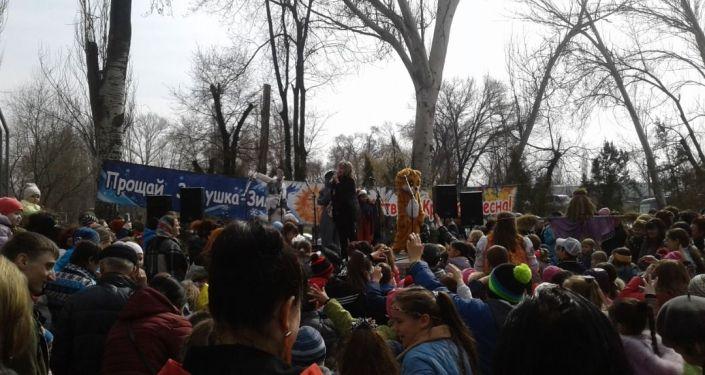 По подсчетам организаторов, в этом году на мероприятие пришло около 3 тысяч человек.