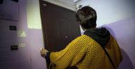 Сотрудник Кыргыз почтасы во время работы. Архивное фото