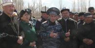 Учурда Кыргызстан менен Тажикстандын укук коргоо органдары жана жергиликтүү бийлик биргелешип эл арасында түшүндүрүү иштерди тынымсыз жүргүзүп жатат