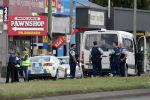Сотрудники полиции на месте стрельбы в мечети города Крайстчерча в Новой Зеландии. 15 марта 2019 года