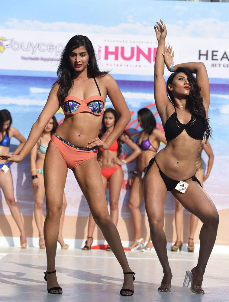 Индиялык фитнес-моделдер Гоада өткөн Body Power Beach Show пляж шоусуна катышты