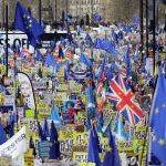 Лондондо (Улуу Британия) Brexit боюнча кайрадан референдум өткөрүү талабы менен жөө жүрүшкө миллионго жакын адам чыкты