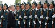 Президент РФ Владимир Путин во время церемонии официальной встречи в Бишкеке